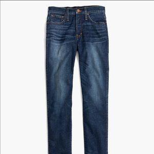 Slim straight leg 23